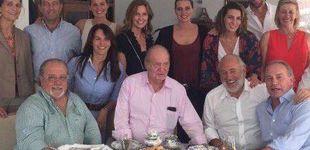 Post de Don Juan Carlos come paella con Arévalo y Bertín Osborne