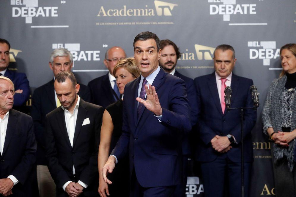 Foto: Pedro Sánchez, al abandonar el debate electoral en el Pabellón de Cristal de la Casa de Campo, este 4-N. (EFE)