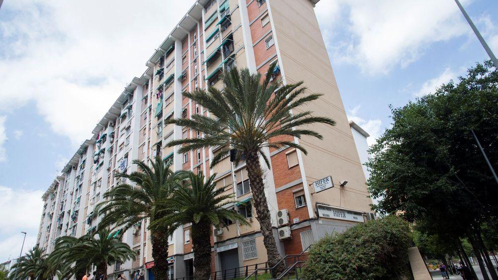 Las casas vacías de inmobiliarias y bancos caen un 36% con el impuesto catalán