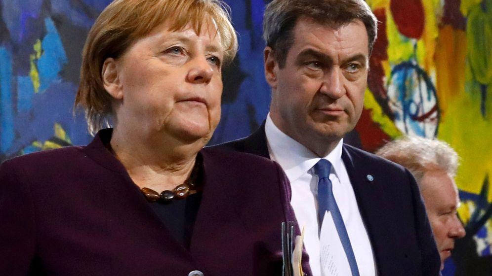Foto: La canciller alemana, Angela Merkel, junto al líder del estado de Bavaria, Markus Soeder. (Reuters)