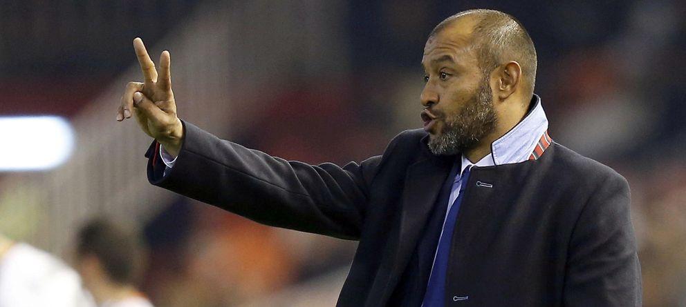 Foto: El portugués Nuno renueva con el Valencia hasta 2018.