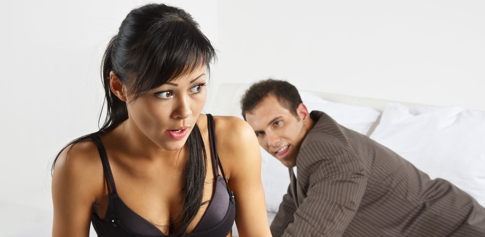 Foto: Cuanto más sexo tengas, más posibilidades tendrás de encontrarte con alguna de esas situaciones embarazosas. (iStock)