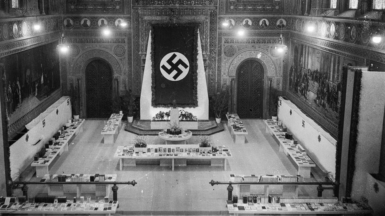 Paraninfo de la Universidad de Barcelona en 1941 durante la Exposición del Libro alemán