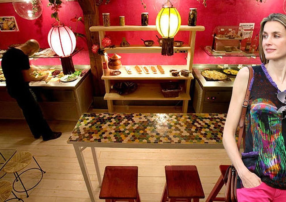 Foto: La reina Letizia en el restaurante 'Viva la vida' en un montaje realizado por 'Vanitatis'