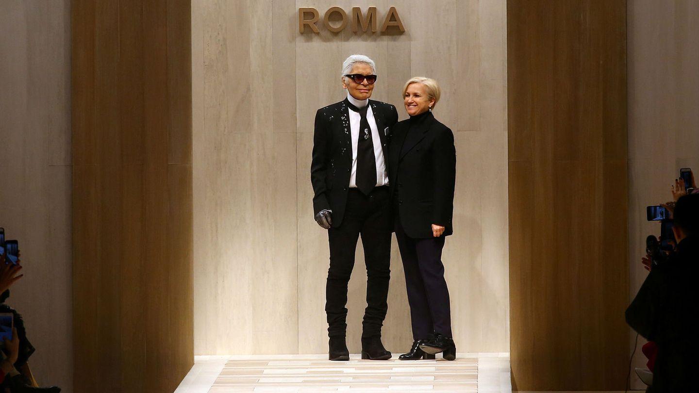 Karl Lagerfeld y Silvia Venturini Fendi. (Reuters)