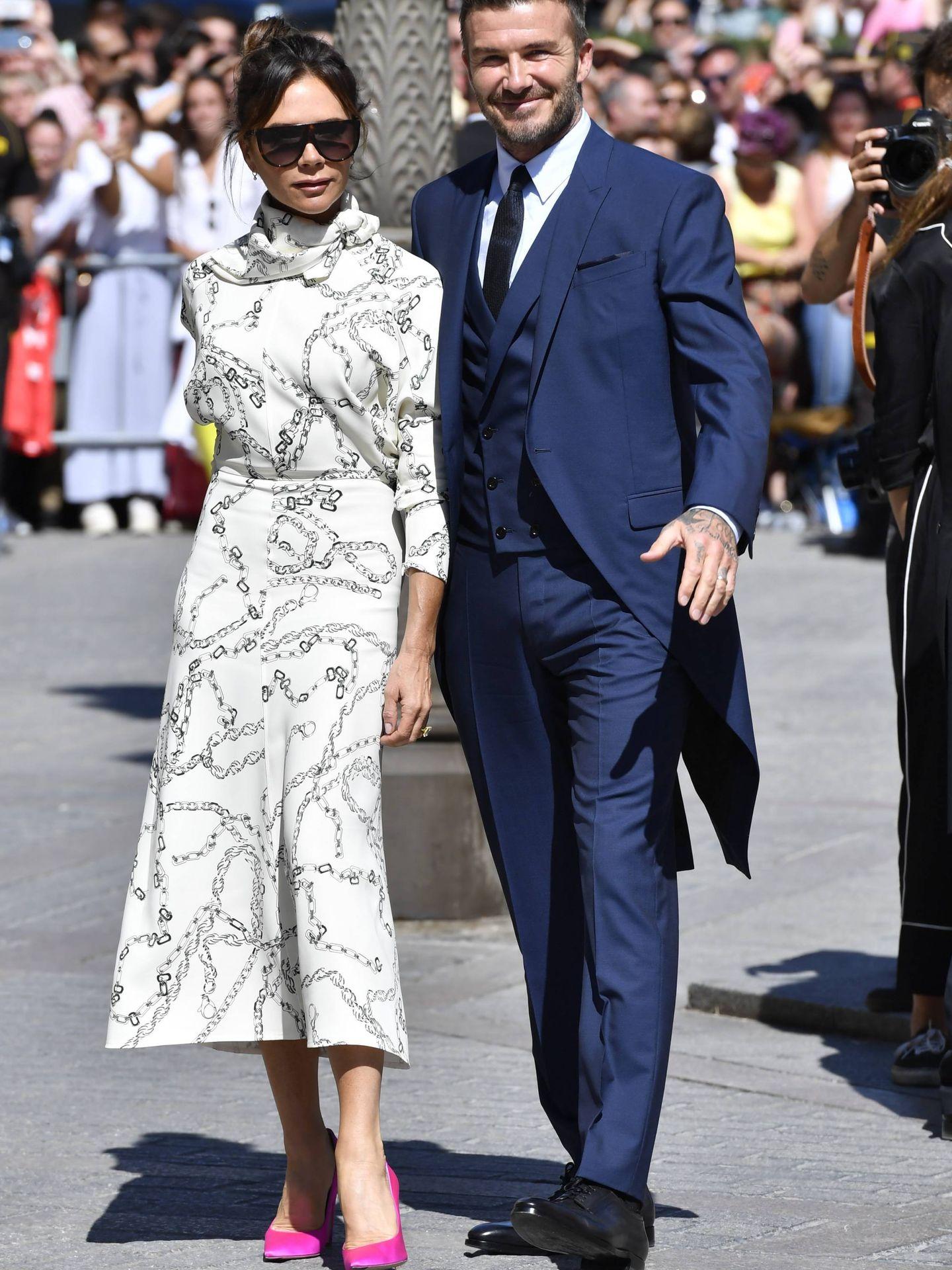 Los Beckham a su llegada a la catedral de Sevilla. (Reuters)