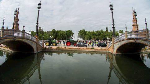Agricultores reclaman una PAC justa y subasta de un cuadro de Toulouse-Lautrec: el día en fotos