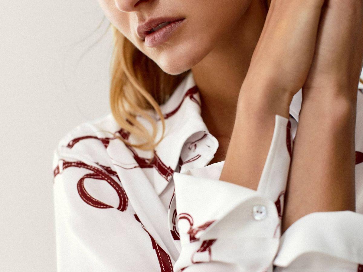 Foto: Camisa blanca de cadenas de Massimo Dutti. (Cortesía)