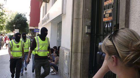 Hoteles lejanos, de bajo nivel y más caros: así gestiona Interior los viajes de guardias civiles