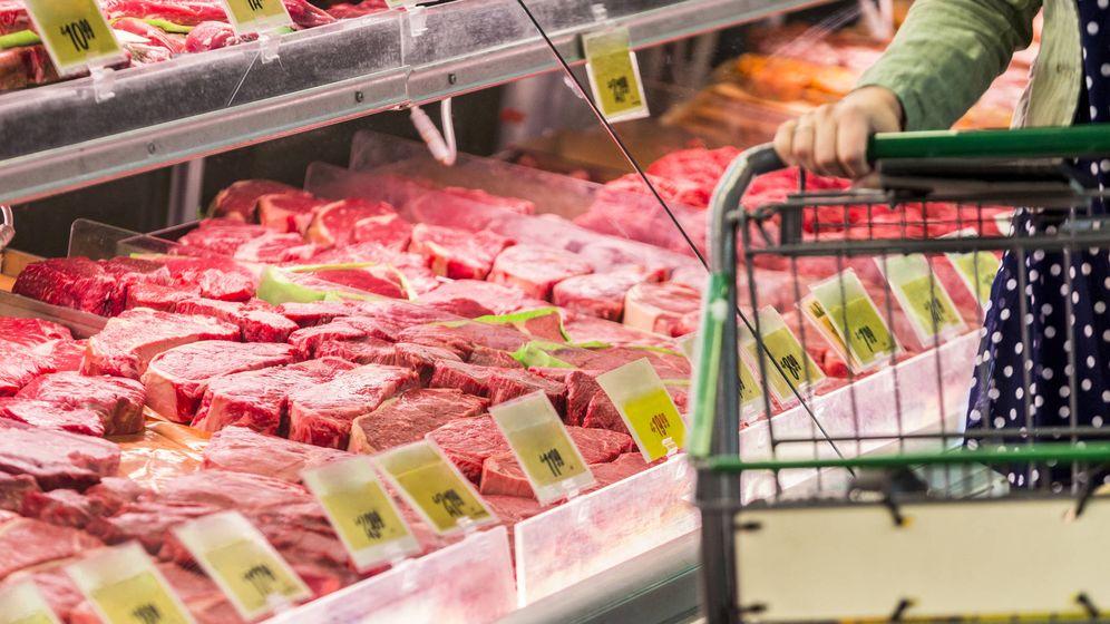 Foto: Sección de carnicería en el supermercado (iStock)