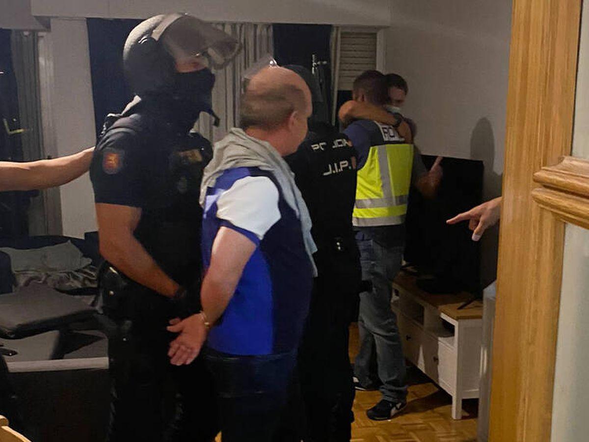 Foto: La fotografía tras la detención del Pollo Carvajal.