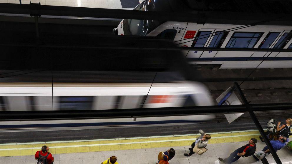 Las mejores 'apps' de transporte frente a frente: cómo no volver a perder un tren