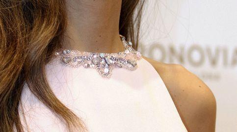 Los detalles del look de invitada perfecta de Ana Boyer del que todo el mundo habla
