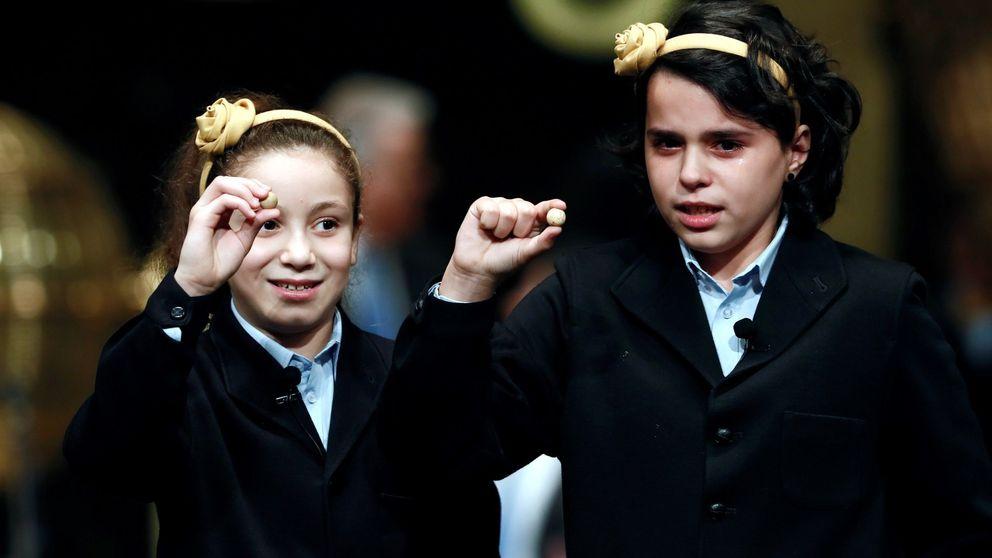 Aya vuelve a conquistar España: la niña de los 'mil euros' más largos canta el Gordo