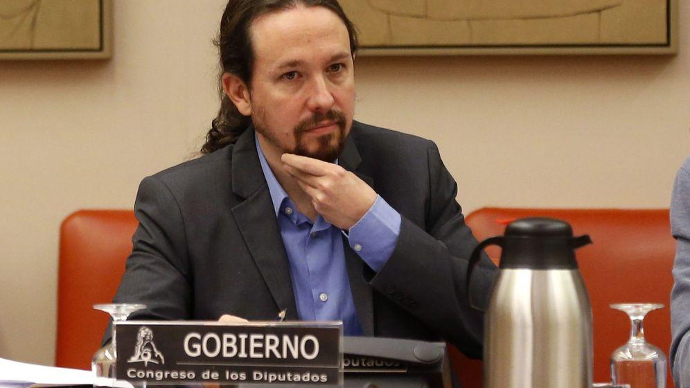 Foto: El vicepresidente segundo del Gobierno, Pablo Iglesias, durante su comparecencia en la comisión de Derechos Sociales. (EFE)