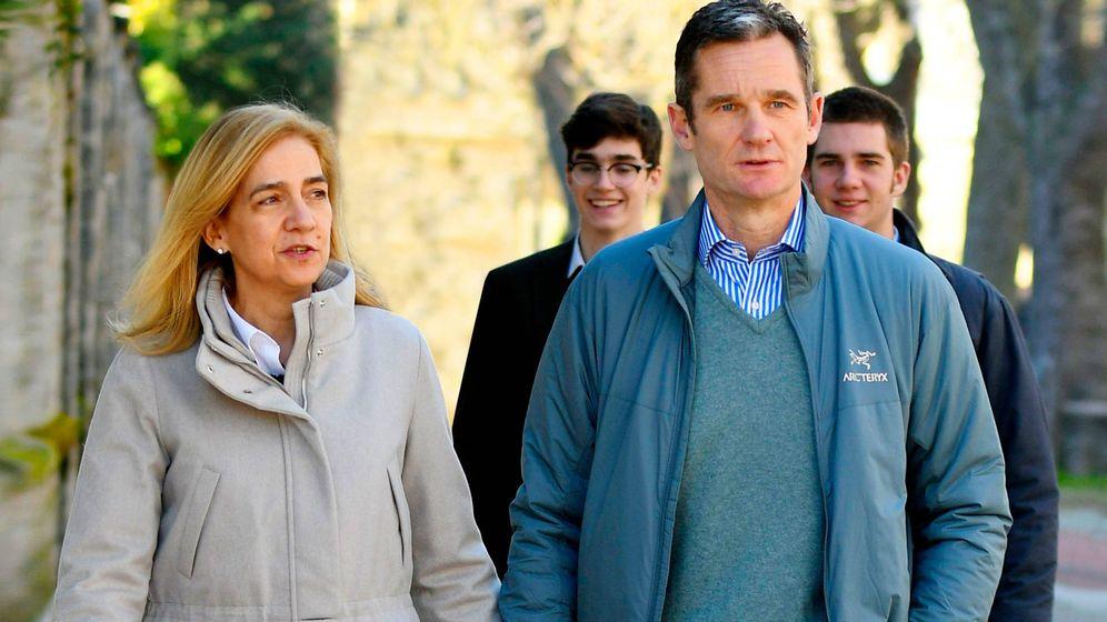 Foto: Iñaki Urdangarin y la infanta Cristina, en Vitoria. (Getty)