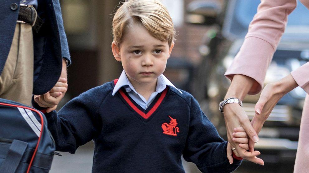 Un nervioso príncipe George empieza el cole de mayores sin Kate