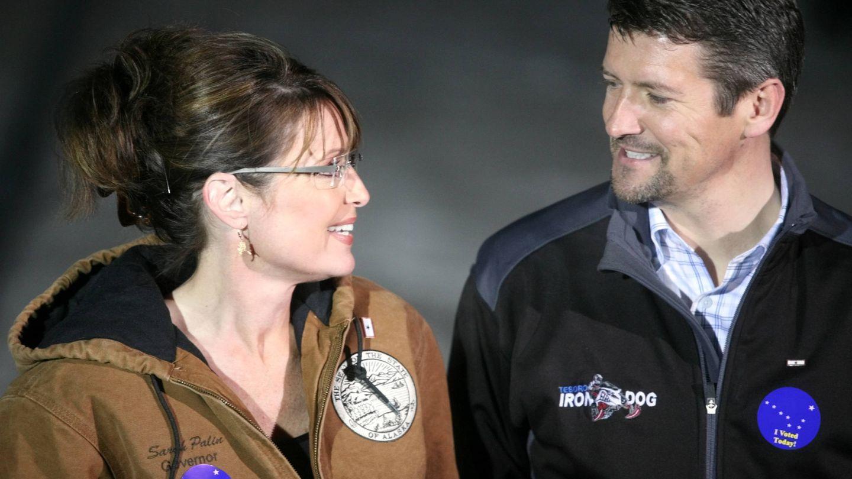 Sarah y Todd Palin, cuando formaban pareja, en Alaska. (Getty)