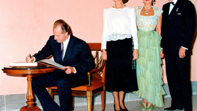 El día que se inauguró el Thyssen hace hoy 28 años: la falda (corta) de doña Sofía y las lágrimas de Tita Cervera
