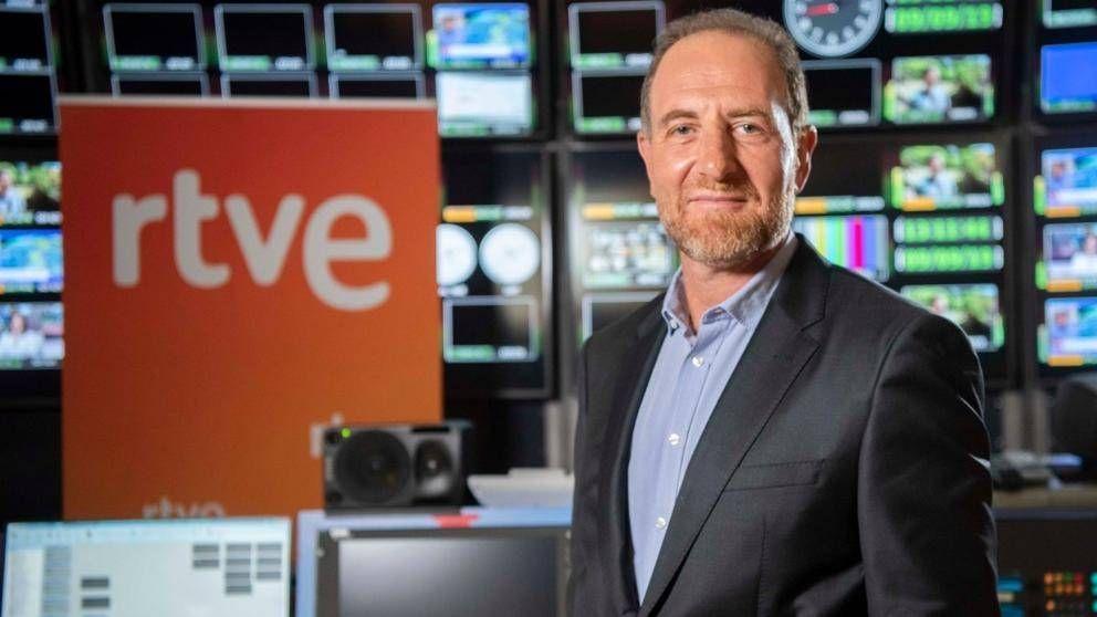 Enric Hernàndez dirigirá temporalmente los Informativos de TVE tras renunciar Ariza