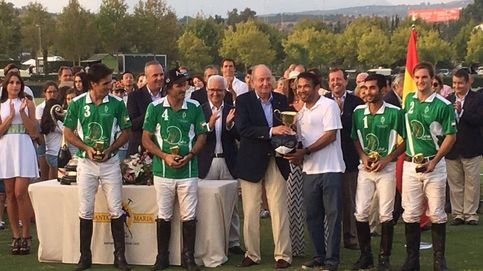 El Rey Juan Carlos, la ovacionada estrella de la final de polo en Sotogrande