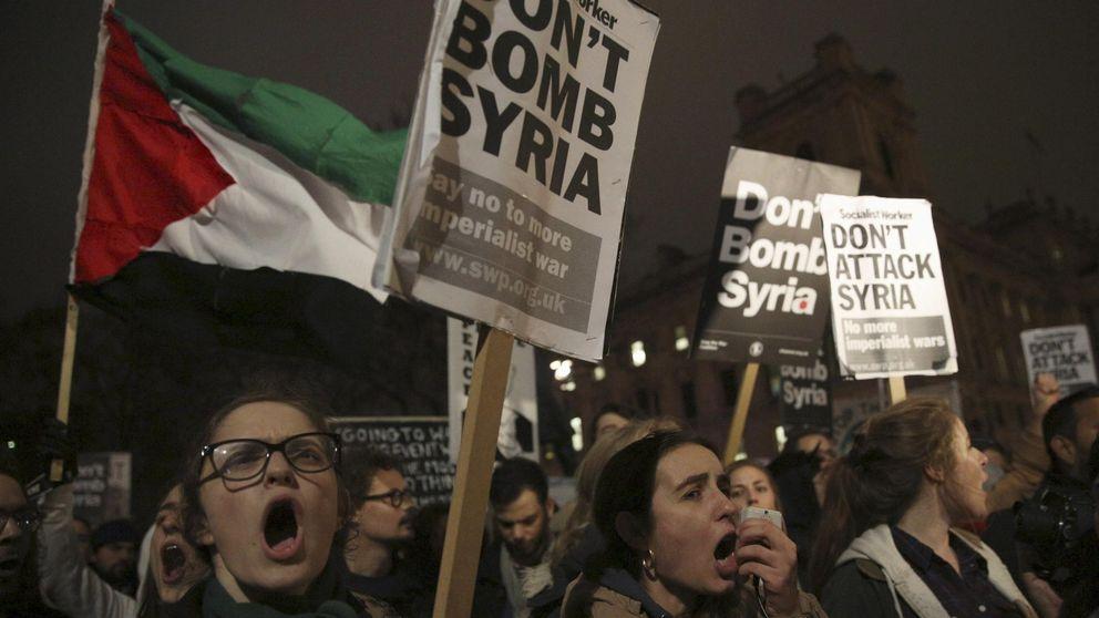Reino Unido bombardea instalaciones petroleras del ISIS en el este de Siria