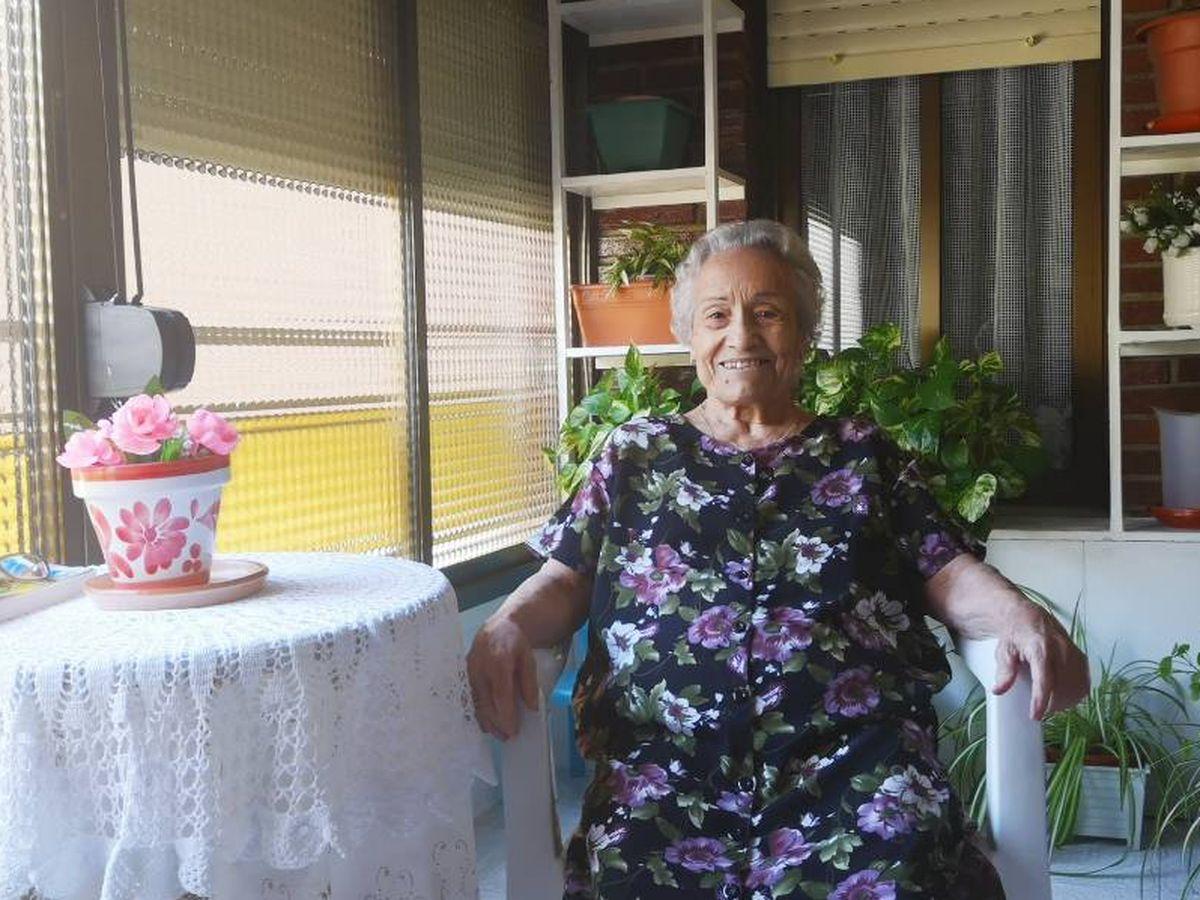 """En primera persona: Con 80 años y vive sola en casa: """"Lo peor es no besar a  mi familia"""""""