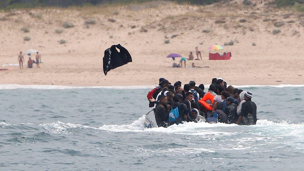 Narcos, presión al Gobierno e islamistas: qué hay detrás de las 'pateras gratis' a España
