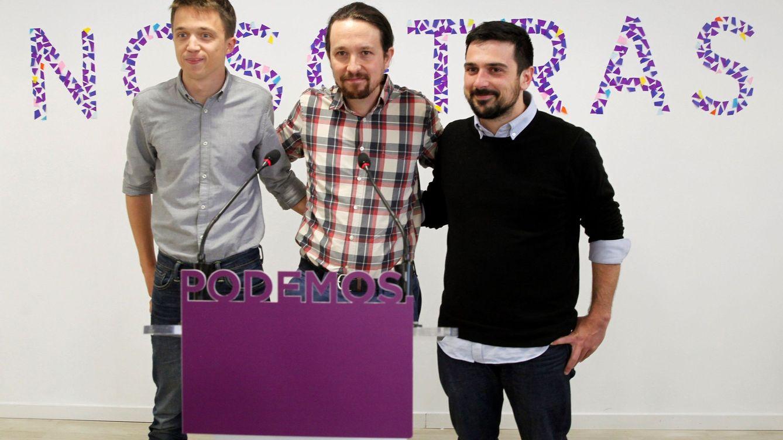 Foto: El líder de Podemos, Pablo Iglesias (c), en rueda de prensa ha anunciado hoy que ha logrado que el diputado Íñigo Errejón (i) y el secretario general de la formación en Madrid, Ramón Espinar (d). (EFE)