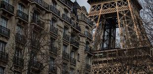 Post de Cerrada la Torre Eiffel por la presencia de un hombre escalando el monumento