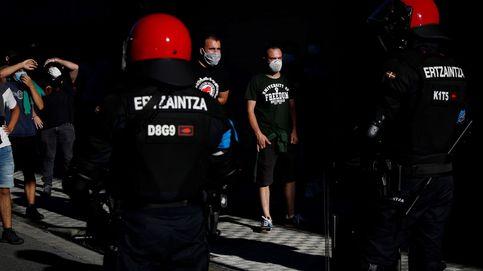 Un detenido y 2 ertzainas heridos al desalojar una discoteca tras el triunfo del Baskonia