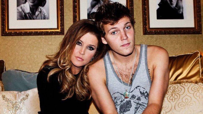 Lisa Marie Presley y su hijo Benjamin. (RRSS)