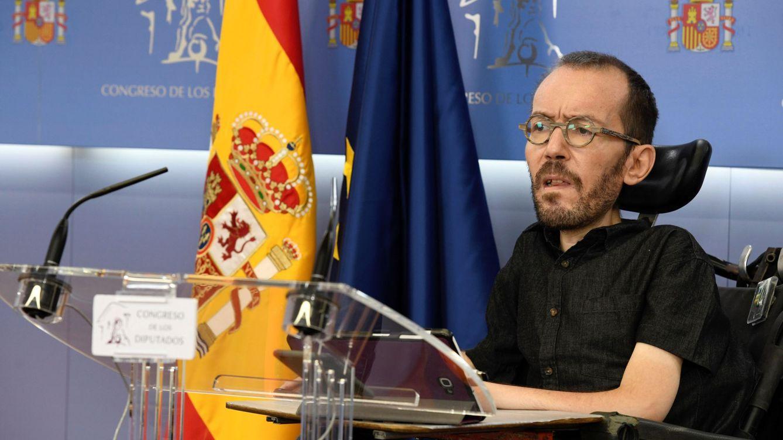 Foto: El diputado y secretario de Acción de Gobierno de Unidas Podemos, Pablo Echenique, durante una rueda de prensa en el Congreso. (EFE)