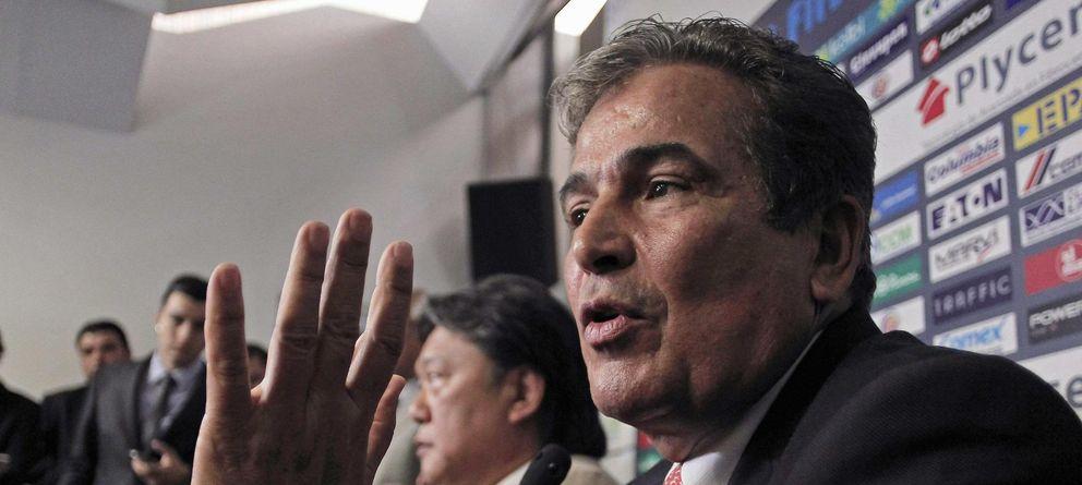 Foto: Jorge Luis Pinto, durante la rueda de prensa en la que anunció su renuncia al cargo de seleccionador (Reuters)
