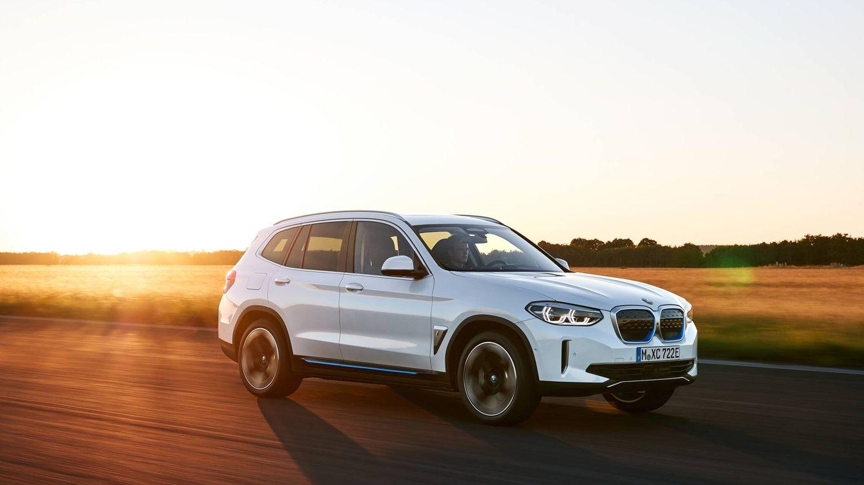 BMW ya fabrica el iX3, su primer todocamino eléctrico