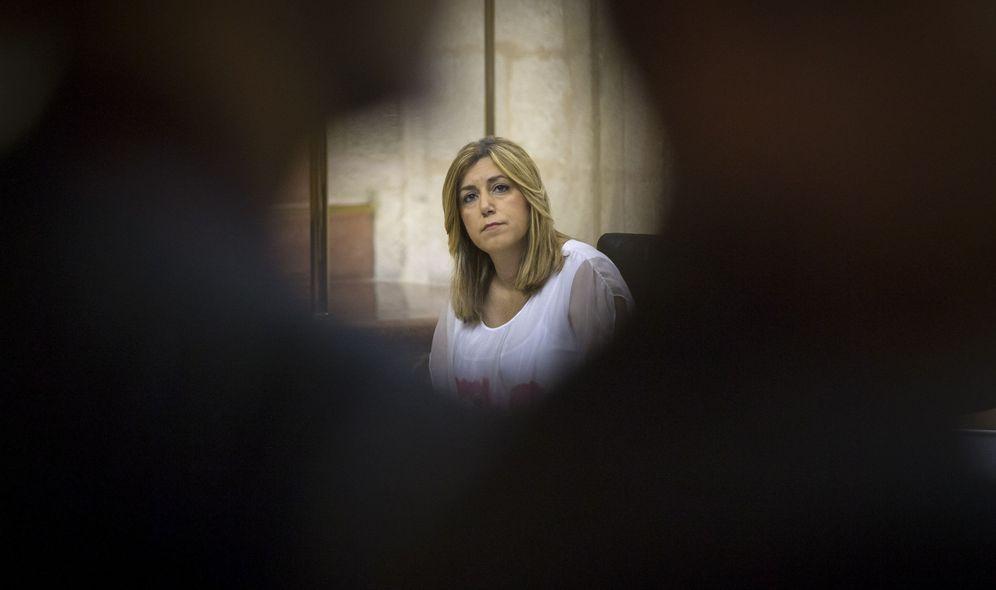Foto: La presidenta andaluza, Susana Díaz, en su escaño en el Parlamento autonómico, el pasado 28 de julio. (EFE)