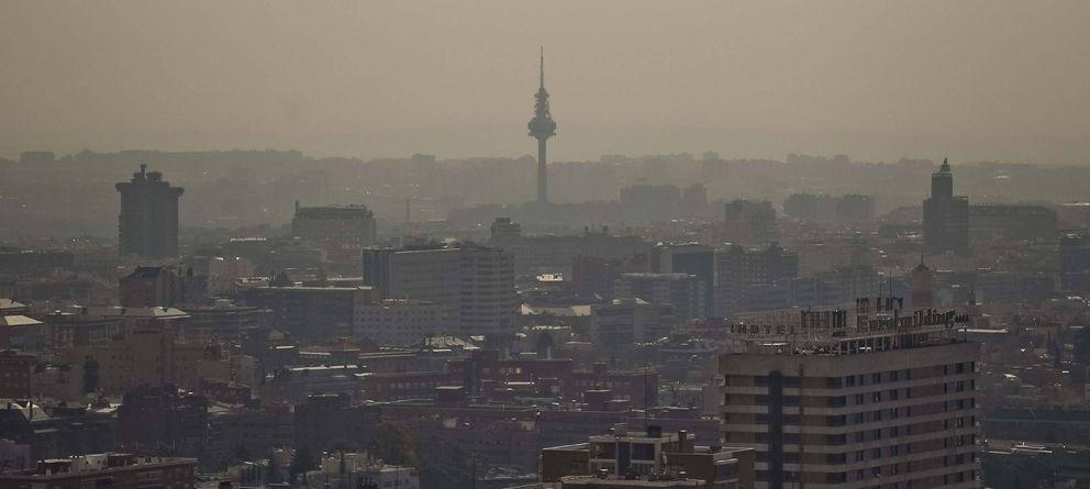 Foto: Imagen de Madrid con contaminación (Efe)
