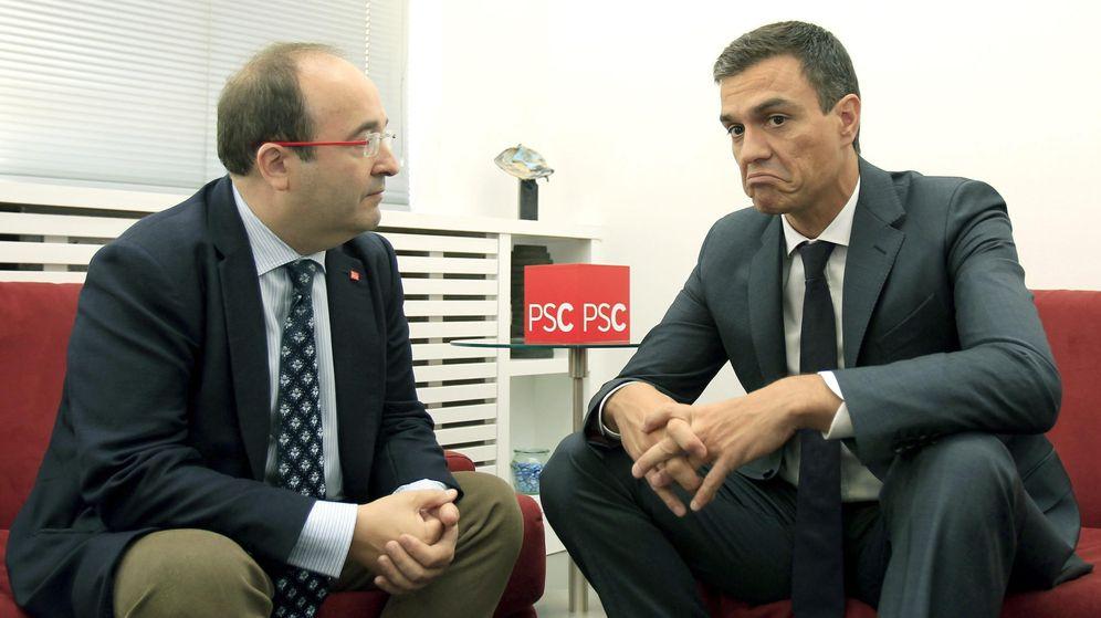 Foto: El secretario general del PSOE, Pedro Sánchez (d), y el primer secretario del PSC, Miquel Iceta. (EFE)