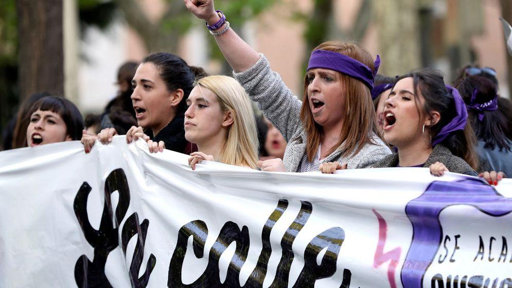 Foto: Manifestación feminista en protesta por la sentencia sobre los cinco miembros de La Manada en Madrid. (EFE)