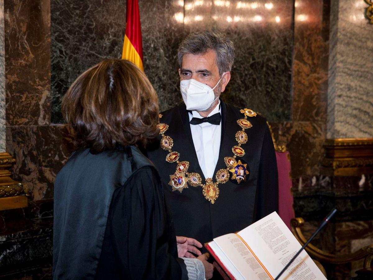 Foto: El presidente del Tribunal Supremo y del Consejo General del Poder Judicial, Carlos Lesmes (d), y la fiscal general del Estado, Dolores Delgado (i). (EFE)
