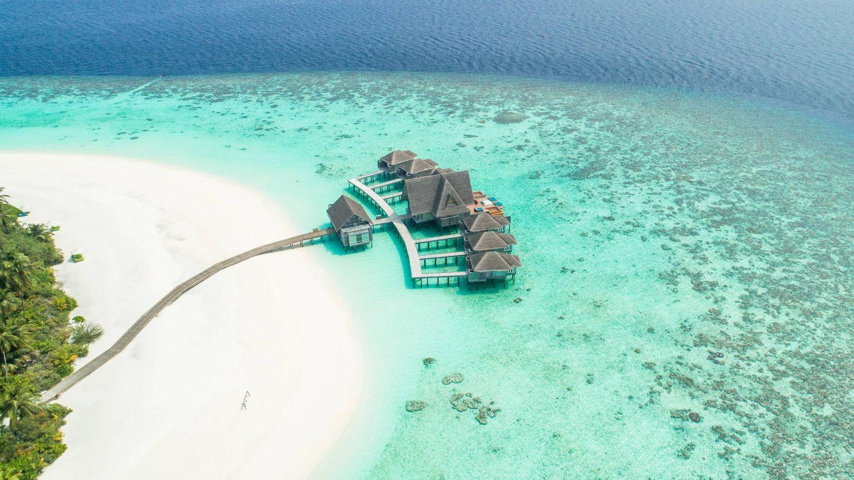 Viviendas en Maldivas. (Fotografía de @seefromthesky para Unsplash)
