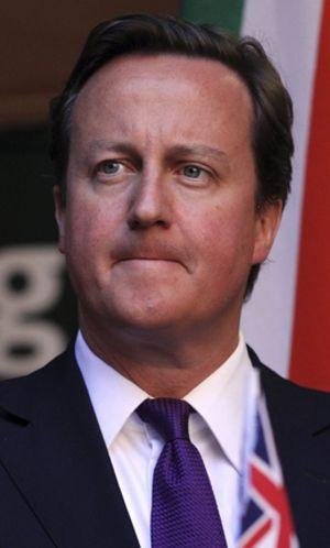 Cameron bajo presión tras la renuncia de los dos mayores cargos policiales