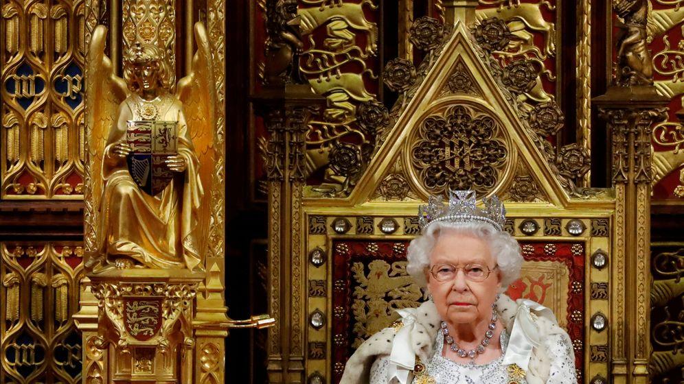 Foto: La reina Isabel, en la apertura del Parlamento. (Reuters)