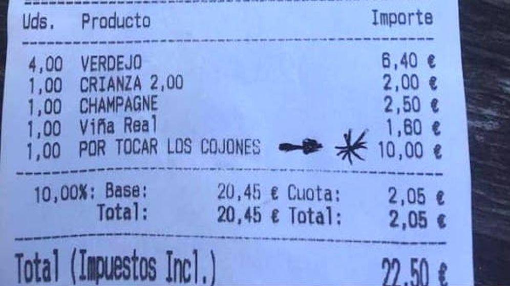 Foto: El ticket que se ha hecho viral con el cargo por tocar los cojones (Foto: Twitter)