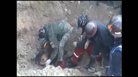 Rescatan con vida a un minero ilegal en Bolivia