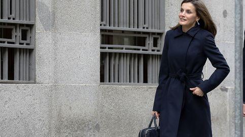 La Reina acude a una reunión de trabajo con la Asociación Española Contra el Cáncer