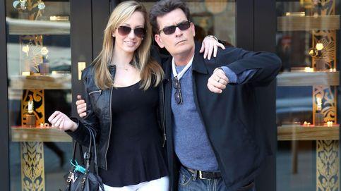 Charlie Sheen suma y sigue: quiso pagar para que golpearan a su ex