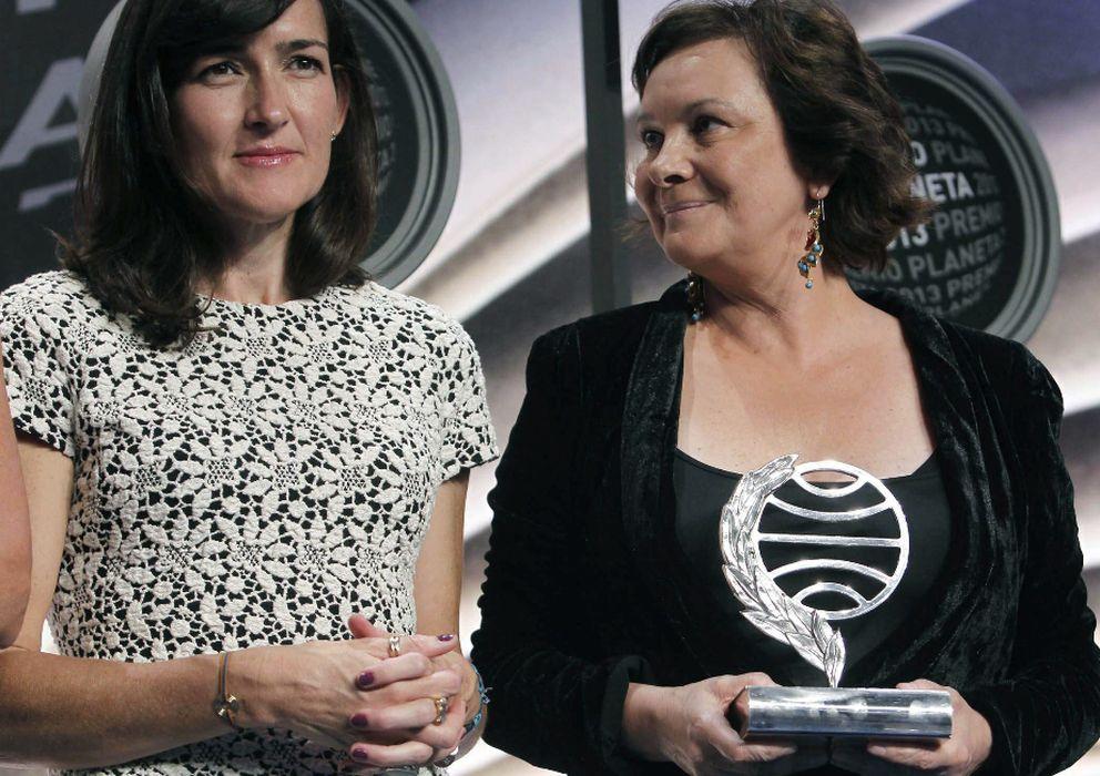 Foto: Ángeles González-Sinde y Clara Sánchez. (Efe)