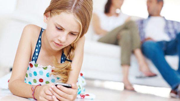 Foto: Desde que mi hija tiene móvil, rinde menos en el colegio