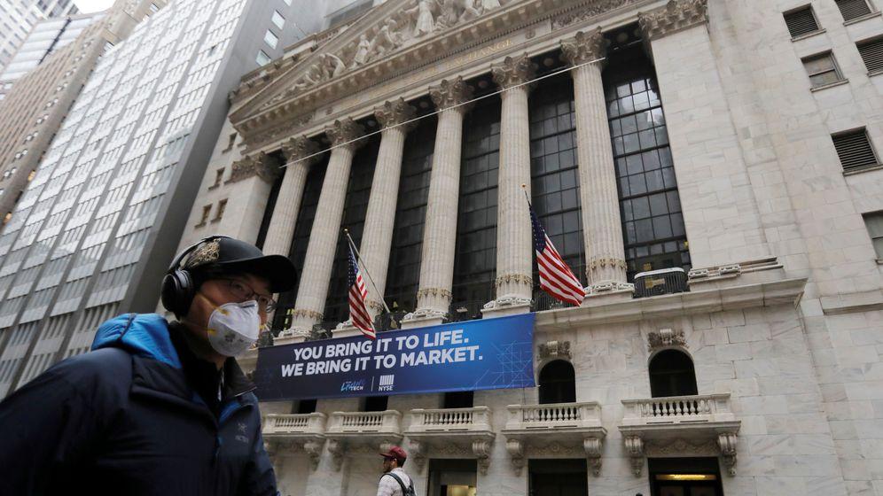 Foto: Las mascarillas ya son habituales en Nueva York (Reuters/Andrew Kelly)